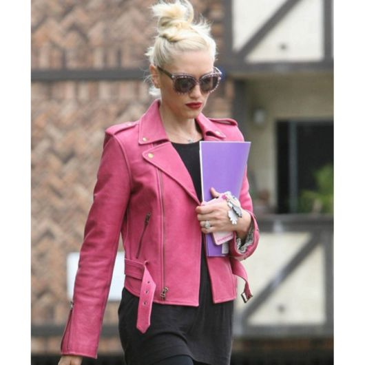 jaqueta rosa com calça legging