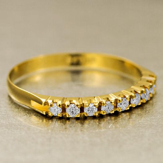 anel de ouro com brilhantes