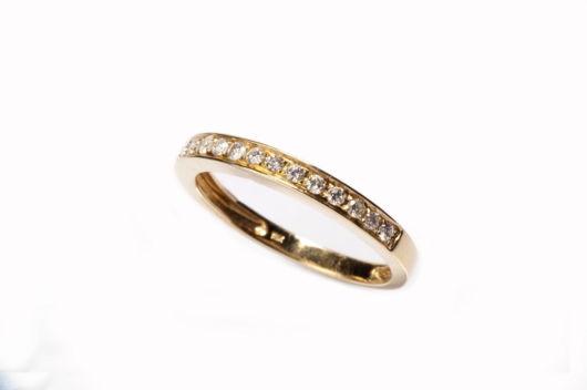 anel de ouro rosé com diamantes