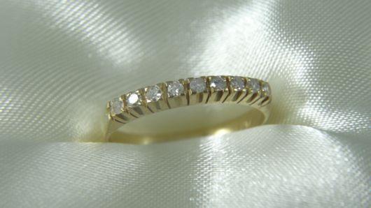 anel feminino em ouro amarelo