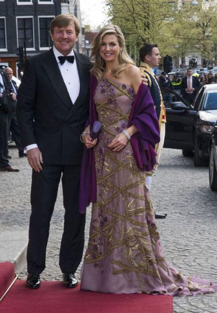vestido roxo casamento
