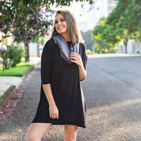 look dia a dia com vestido preto