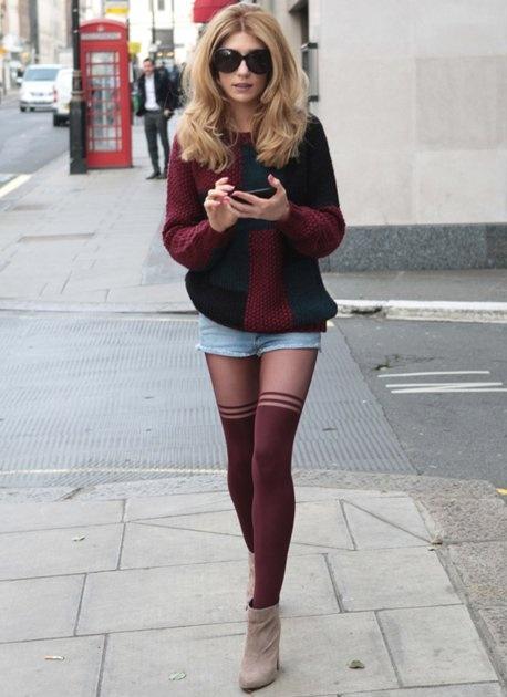 short com meia calça com tênis e casaco de frio