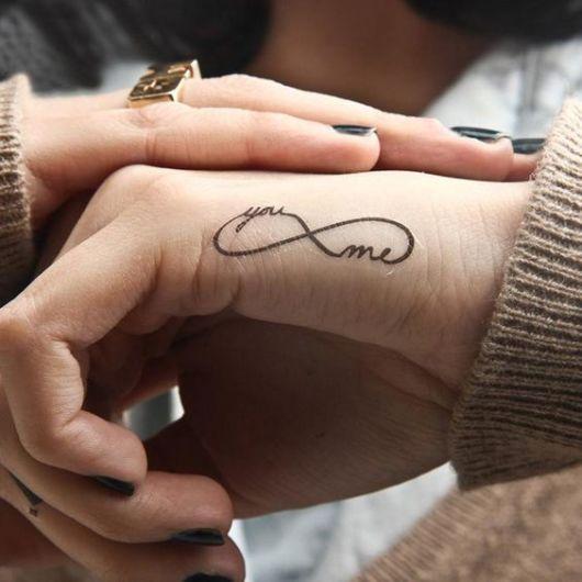 tatuagem infinito mão