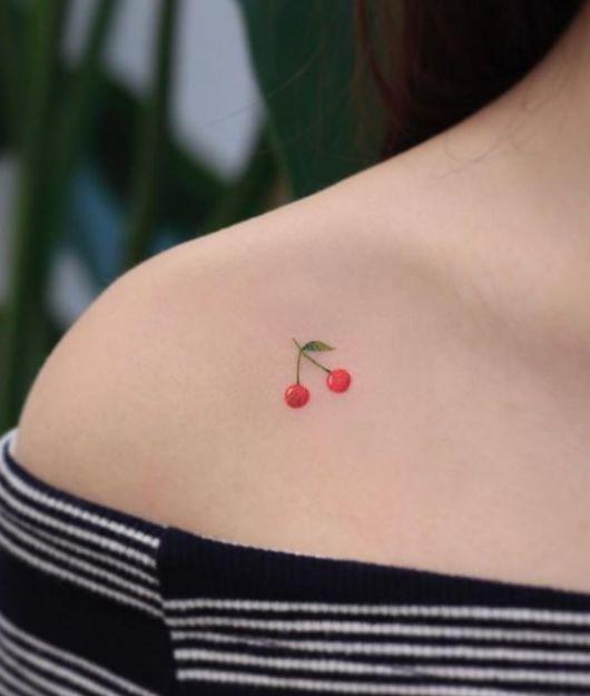tatuagem delicada ombro