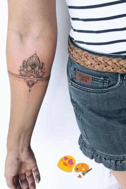 tatuagem bracelete indiano