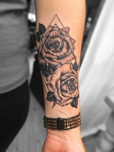 tatuagem grande rosa