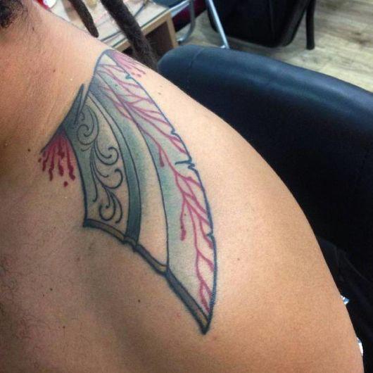 tatuagem no ombro