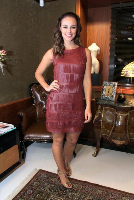 vestido de couro vermelho