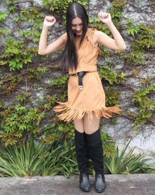 vestido de camurça