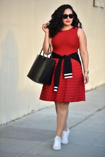 look plus size com vestido vermelho