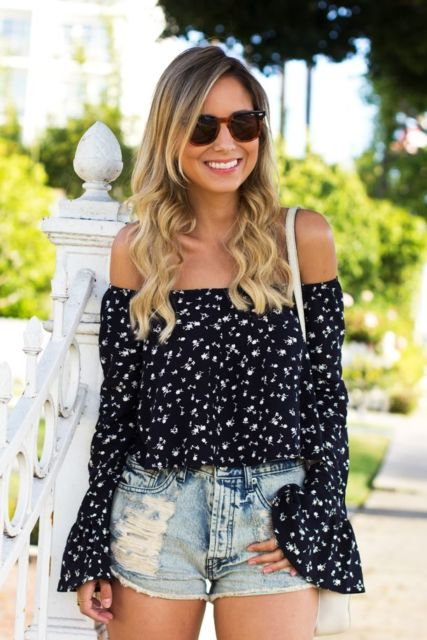 blusa ciganinha manga longa preta minimalista