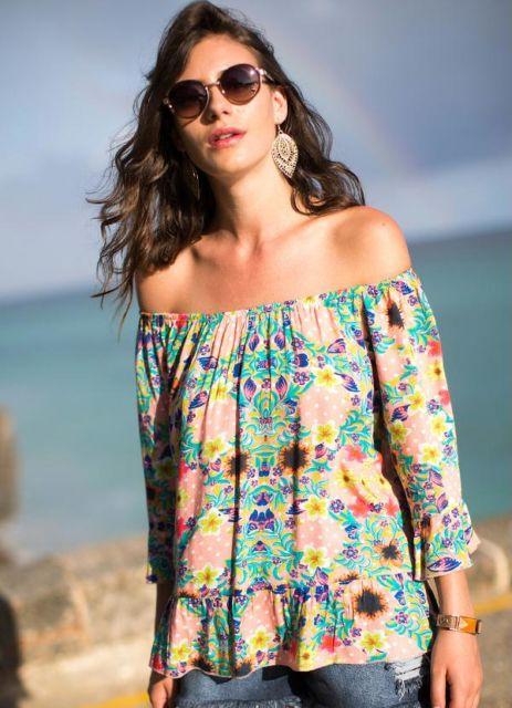 blusa ciganinha manga longa com babado e floral