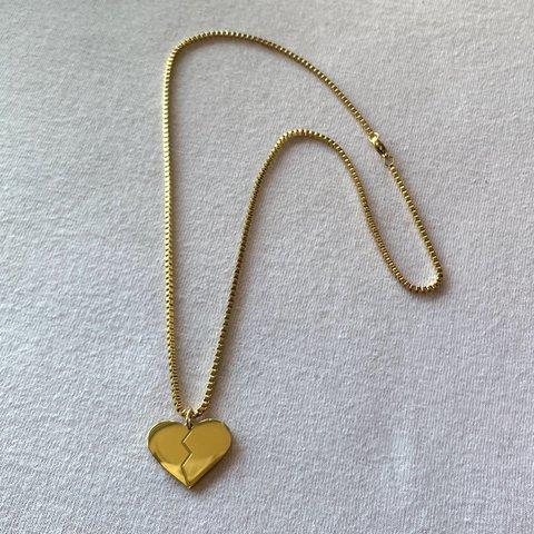 colar de ouro coração partido