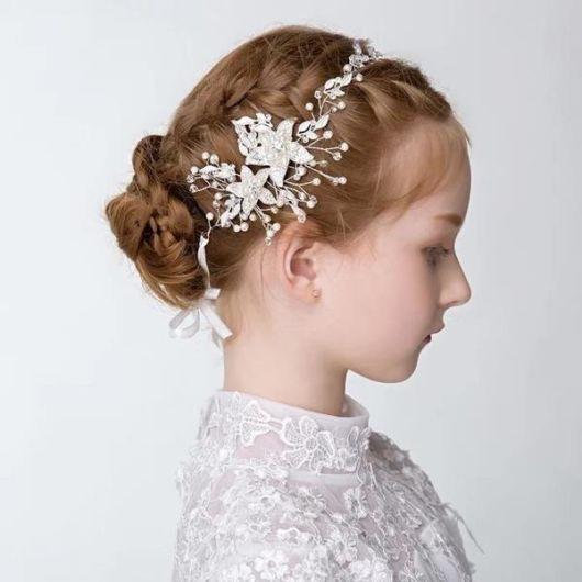 modelos lindos de coque infantil para casamento