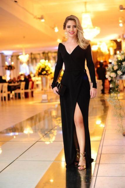 vestido preto de manga longa