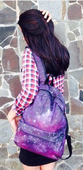mochila roxa