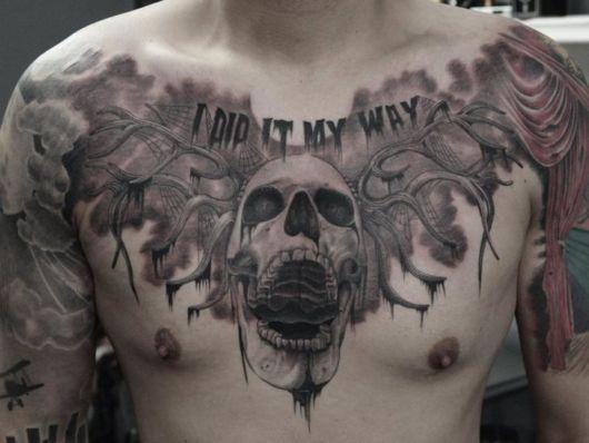 tatuagem no peito