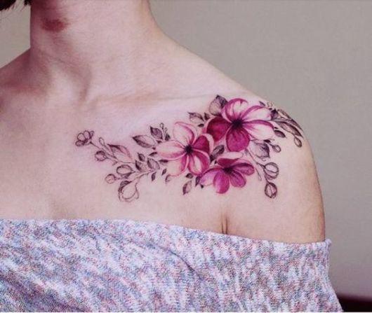 tatuagem grande ombro