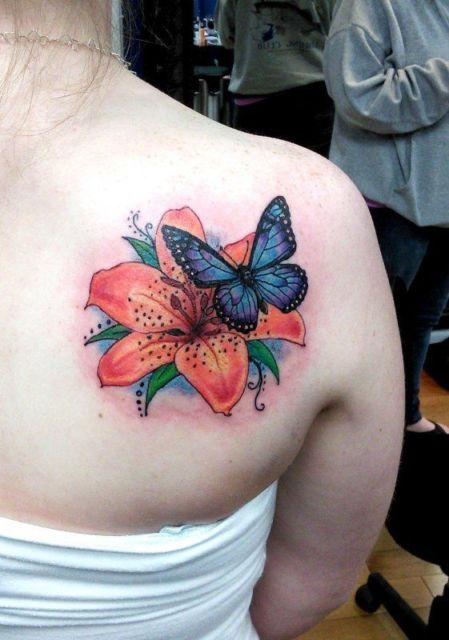 tatuagem lírio
