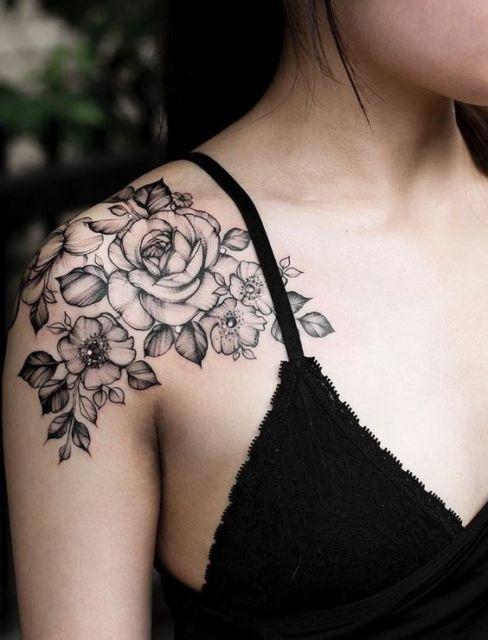 tatuagem grande preta e branca