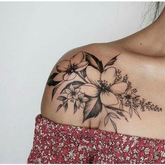 Tatuagem De Flor No Ombro 54 Tattoos Perfeitas E Desenhos