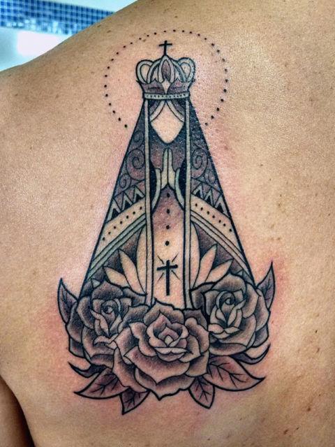 Tatuagem de santa
