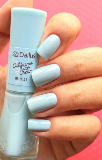 esmalte azul claro