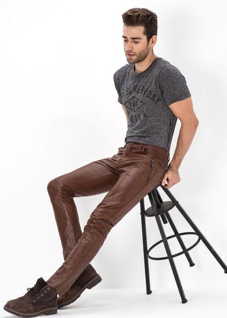 calça de couro