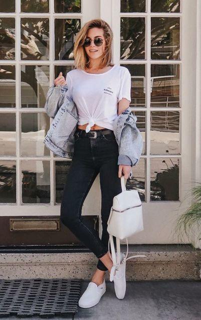 look camiseta e jaqueta jeans