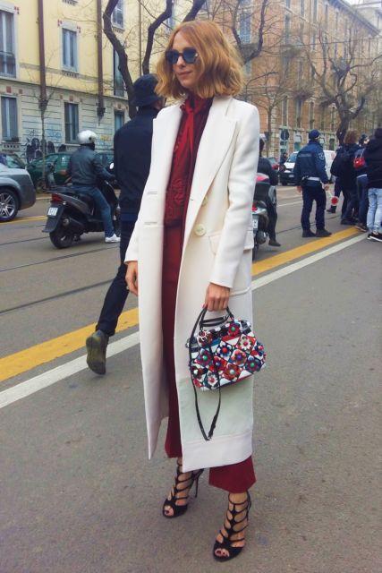 look casaco branco longo