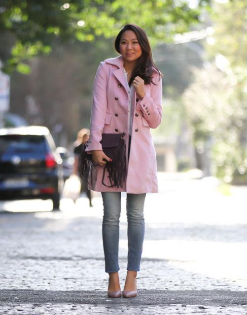 como usar casaco rosa claro