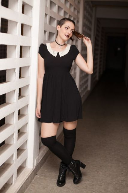 look com vestido preto curto