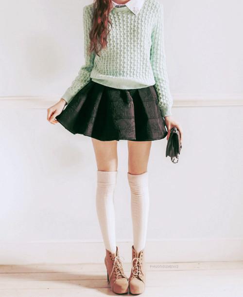 look com saia rodada e suéter