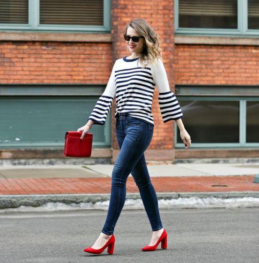 look calça jeans e blusa listrada