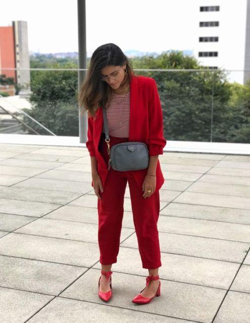 look monocromático vermelho