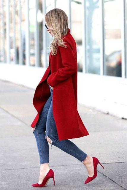 look de inverno com scarpin e casaco