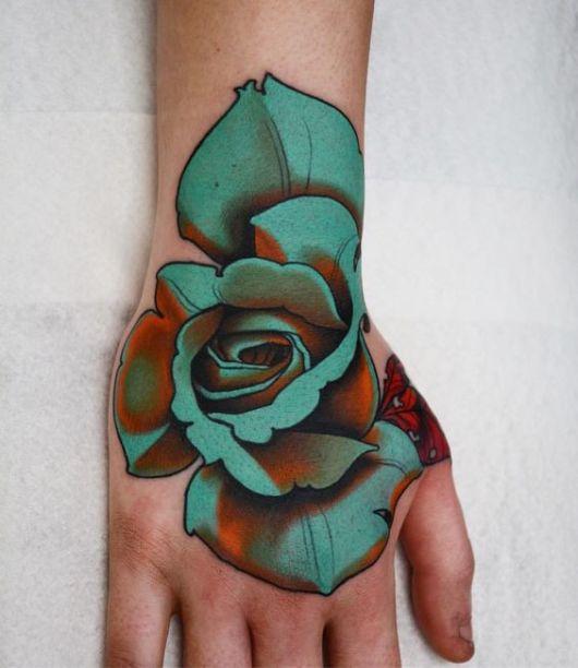 tatuagem flor azul
