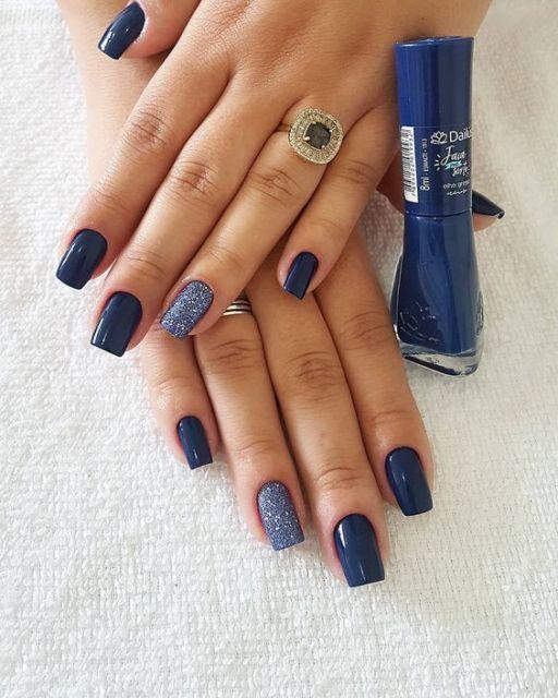 nail art azul marinho