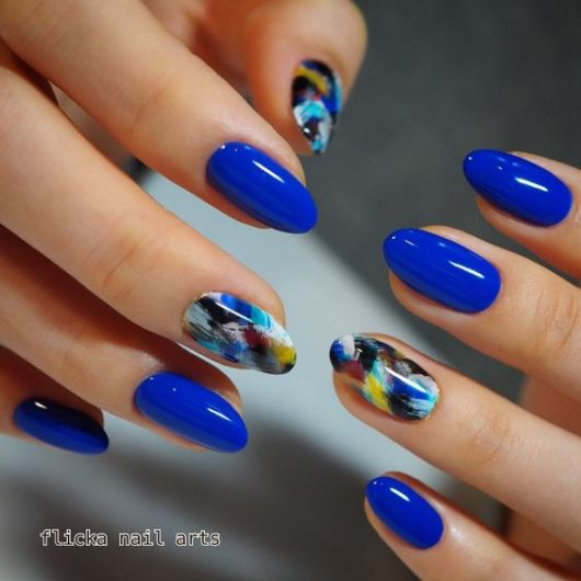 nail art azul royal