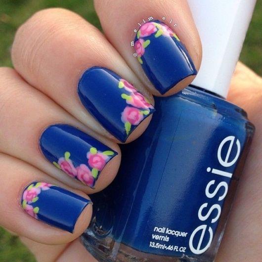unhas decoradas azul e rosa