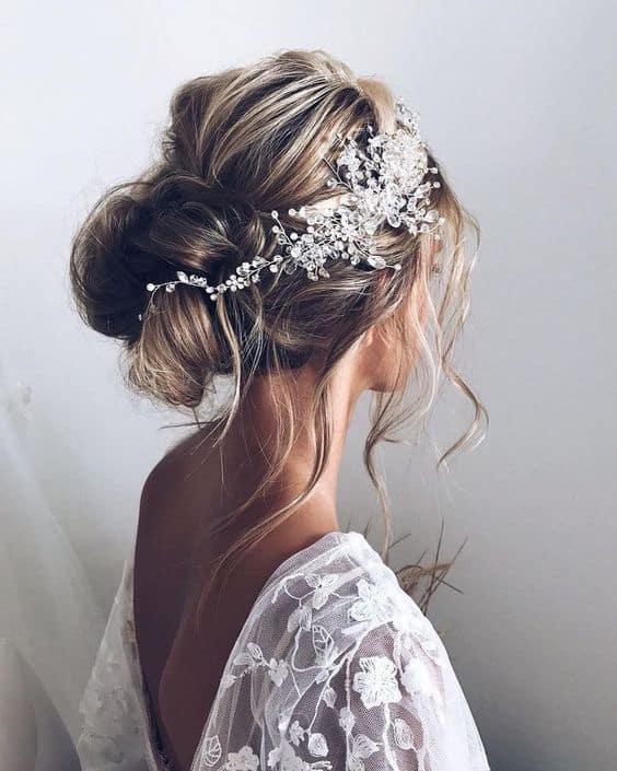 penteado de noiva para casamento na praia