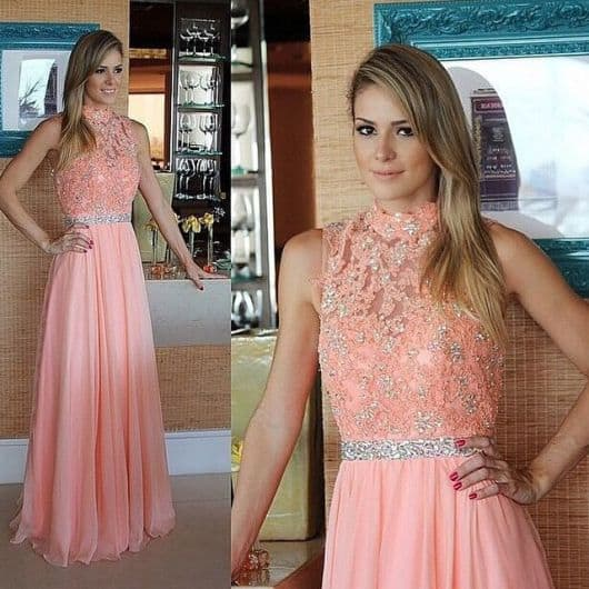 cinto de strass com vestido rosa