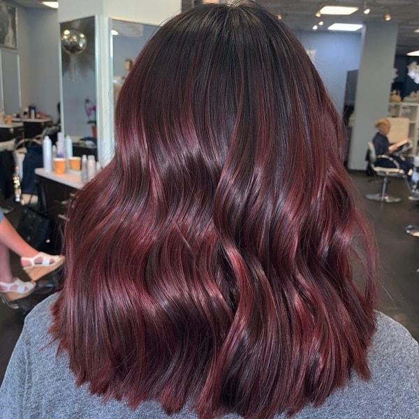 cabelo ondulado com mechas