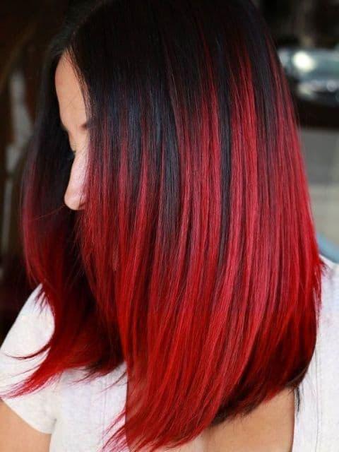 cabelo médio com vermelho fantasia