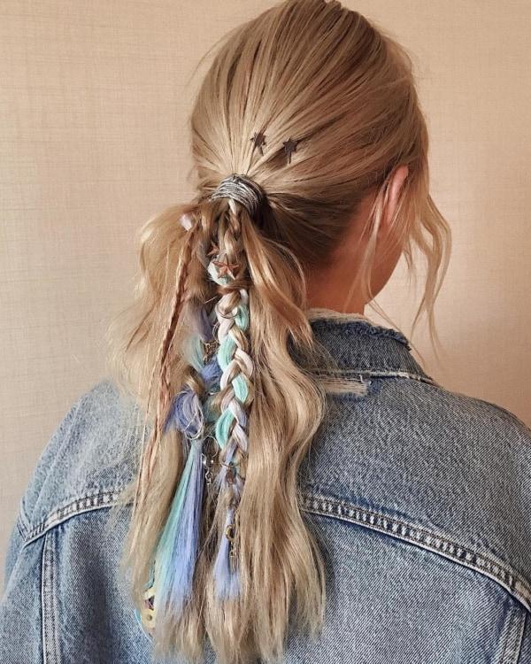 penteado com ligas com rabo de cavalo