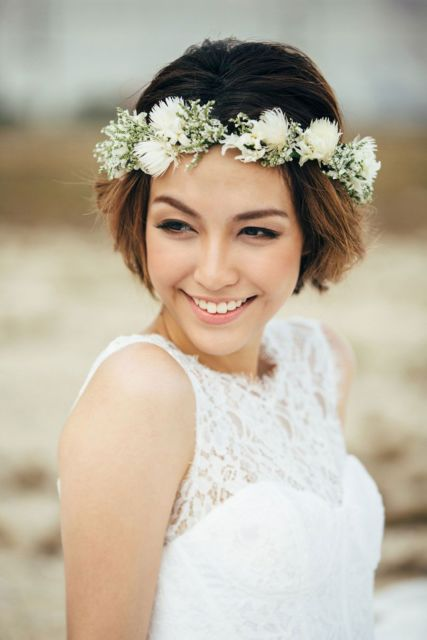 penteados soltos para casamento com coroa de flores
