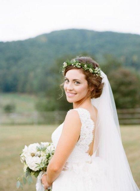penteados soltos para casamento em fios curtos