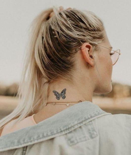 tatuagem parte de trás do pescoço