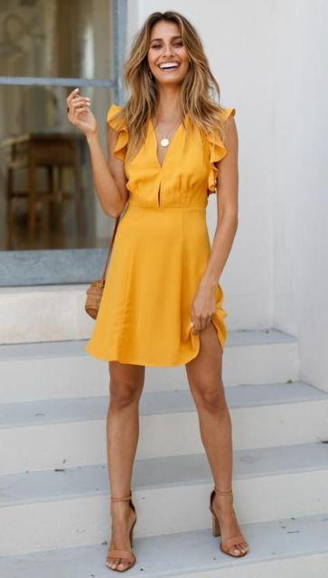 look com vestido amarelo mostarda